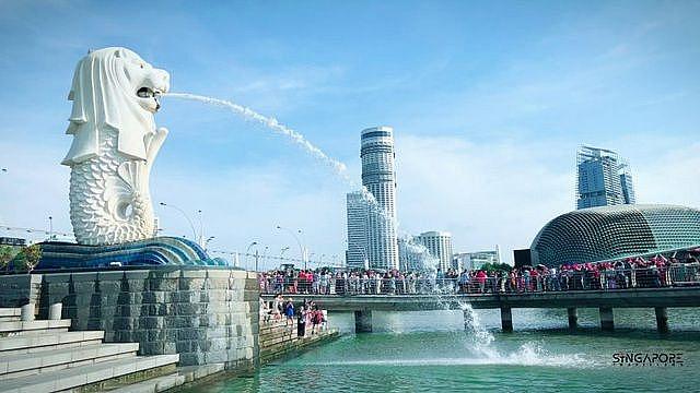 The secret behind the famous Singapore sea lion statue