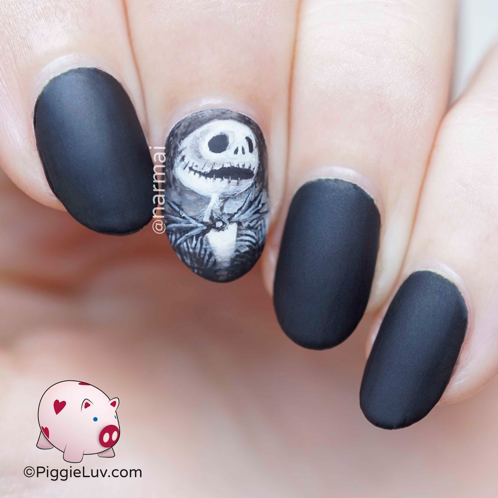 PiggieLuv: Jack Skellington nail art for Halloween
