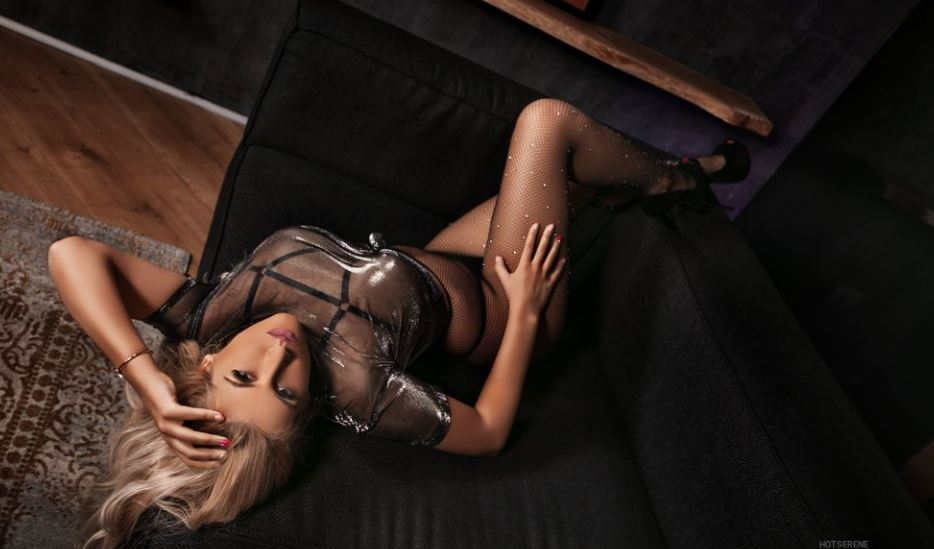 HotSerene Model GlamourCams