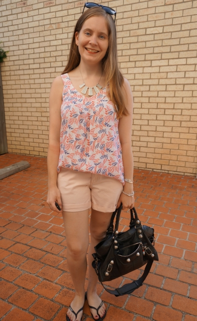 Summer pastel SAHM outfit silver accessories black bag blush shorts leaf print Elissa tank