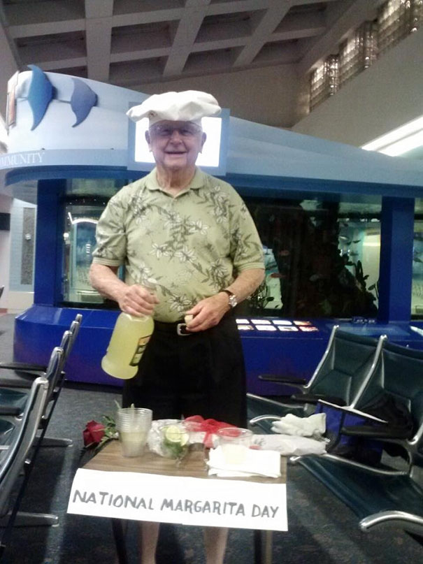 40 Photos Of The Most Hilarious Parents You Will Ever Meet - This Is How My Friend's Dad Greeted Her At The Airport Yesterday. Best Dad Ever!