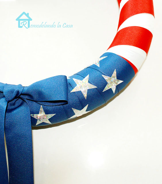 How to make a fourth of July wreath out of pool noodle