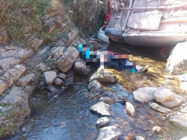 Tarija: Auto se embarranca en Canaletas y deja dos fallecidos (ver fotos)