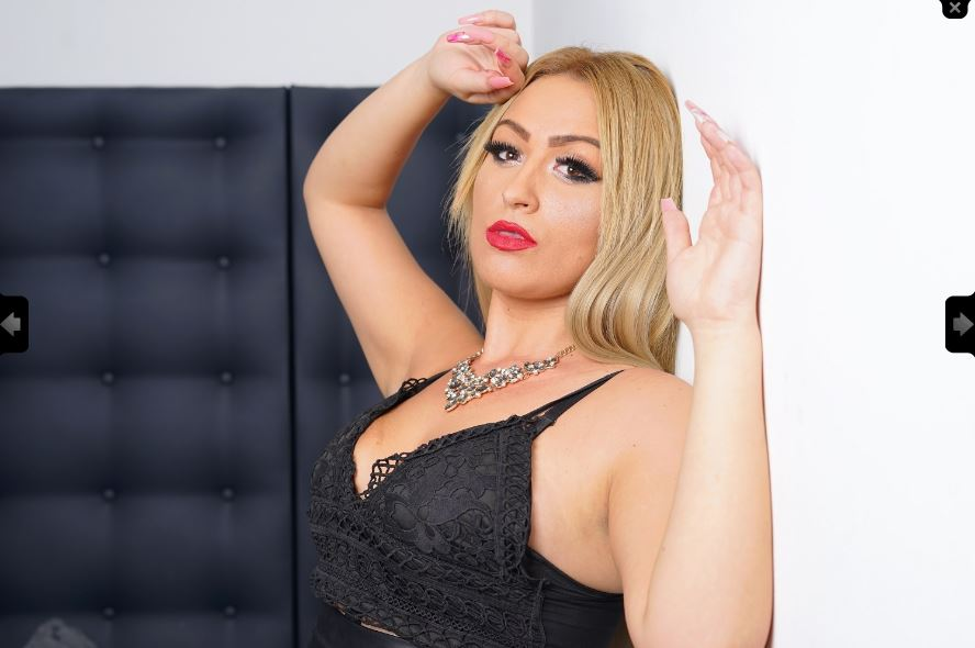 https://pvt.sexy/models/hlat-dawn-deville/?click_hash=85d139ede911451.25793884&type=member