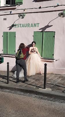 Shooting à Paris : Alyssa Belkaci photographie la Robe de mariée Botanica D'Ors et de Soie