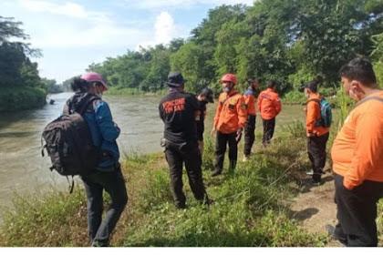 Pria Di Blitar Di Laporkan Lompat Ke Sungai, Pencarian Masih Dilakukan
