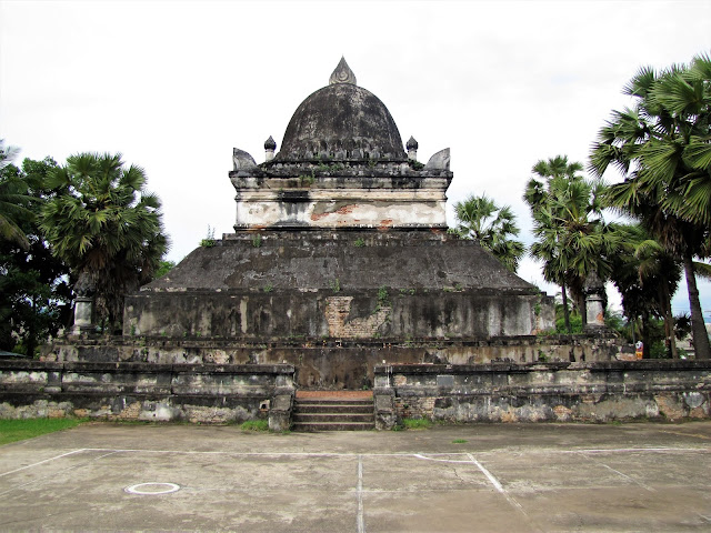 pathum wat visounnarath luang prabang laos