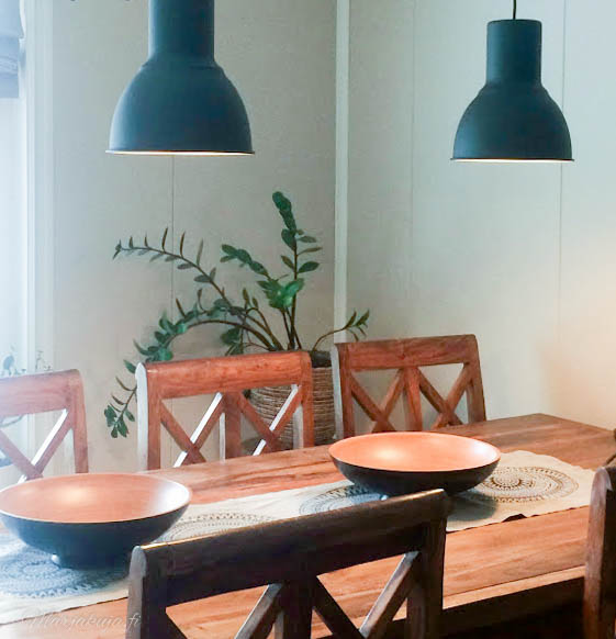 olohuone ruokailutila ikea hektar valaisin sisustus boheemi boho viherkasvi