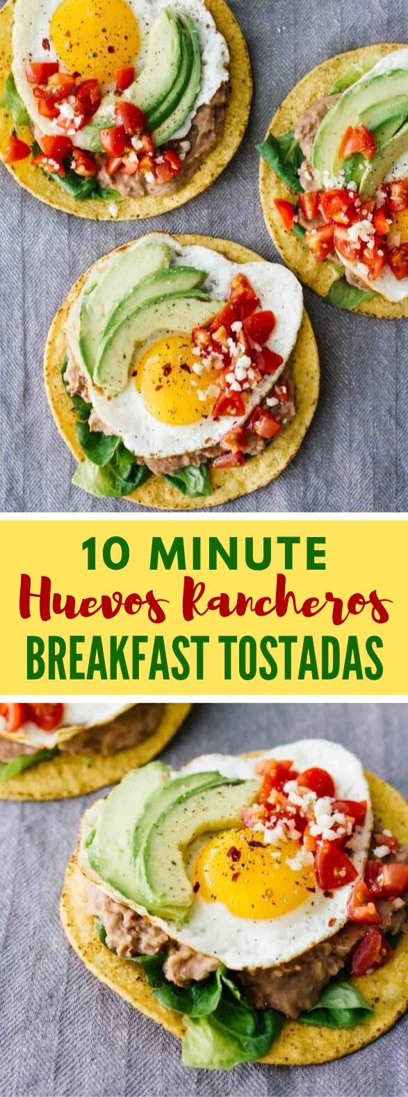 10-MINUTE HUEVOS RANCHEROS BREAKFAST TOSTADAS #vegetarian #healthy