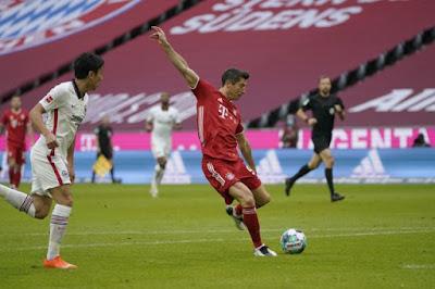 ملخص واهداف مباراة بايرن ميونخ وأينتراخت فرانكفورت (5-0) الدوري الالماني