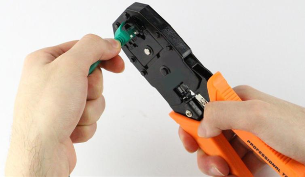 Cara Menyambung Kabel UTP dengan Tang Crimping