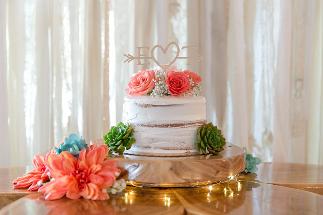 Shenandoah Mill in Gilbert AZ Wedding Cake Photo by Micah Carling Photography