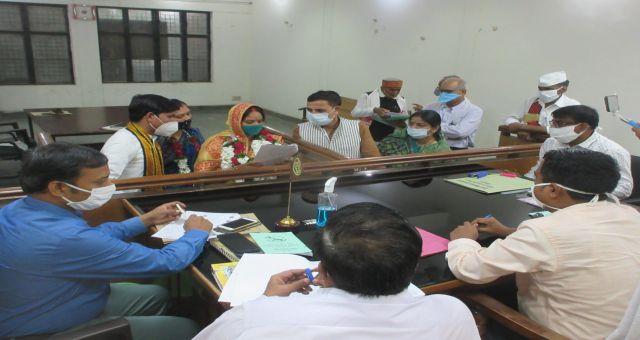 Jila Panchayat Adhyaksh Ke Liye Kiya Do Party Ne Namankan Kaushambi News Vision