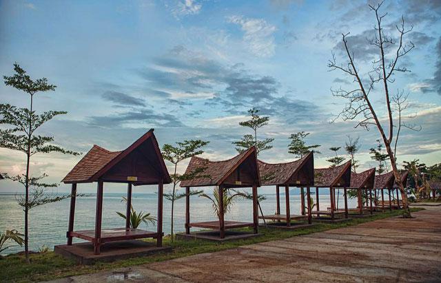 fasilitas di pantai kahai beach