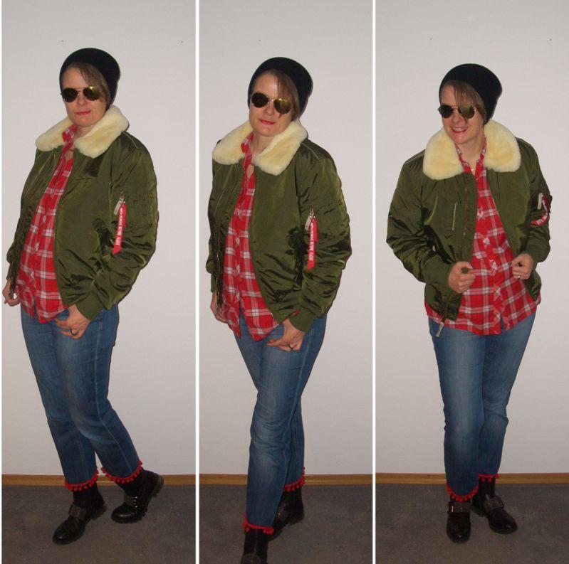 Bomberjacke und cropped Jeans kombiniert