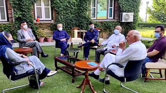 """""""Everybody (from the alliance) is likely to attend this meeting in which the alliance leadership will take a decision about the invitation,"""" PAGD spokesman Mohammad Yusuf Tarigami said.(ANI)"""
