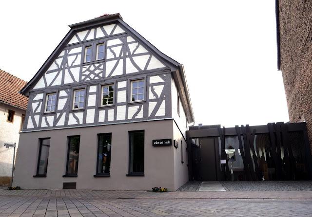 Die Vinothek des Weingutes Closheim in Langenlonsheim an der Nahe.