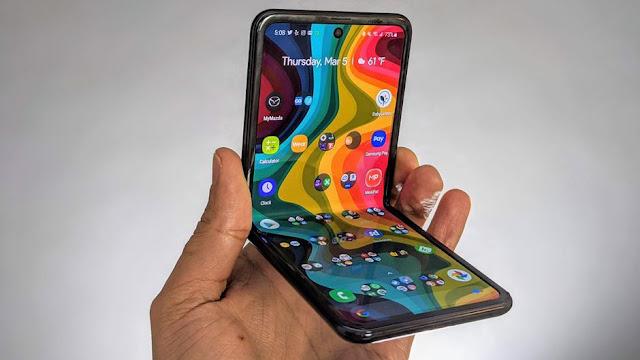 مراجعة سامسونج Galaxy Z Flip: هل يستحق فعلًا كل هذا المبلغ؟