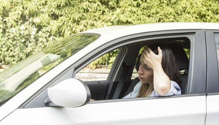 5 أسباب لاهتزاز السيارة أثناء القيادة.. إليك طريقة المعالجة