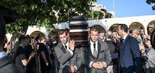Γιάννης Σπάθας: Το τελευταίο αντίο στον σπουδαίο Έλληνα μουσικό - EIKONEΣ
