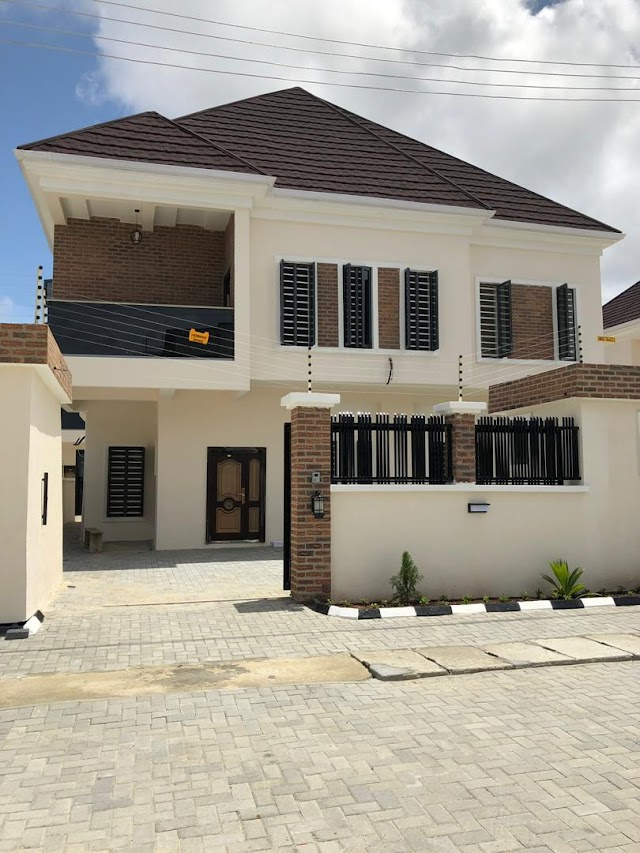Now Selling @ Ikate Lekki Phase 1 Lagos: 5bedroom Luxury family home fully detached plus BQ
