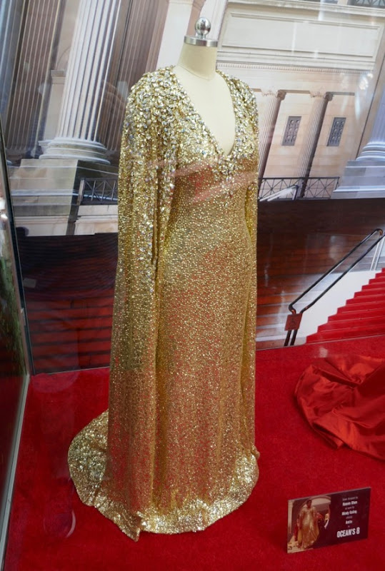 Mindy Kaling Oceans 8 Amita gold gown