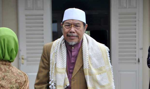 Prof K.H M. Tholchah Hasan