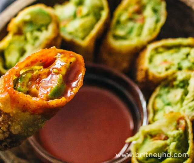 AVOCADO EGG ROLLS WITH SWEET CHILI SAUCE RECIPE