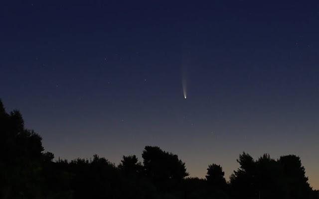 Εντυπωσιακές εικόνες του κομήτη NEOWISE από το Γρεγολίμανο της Βόρειας Εύβοιας