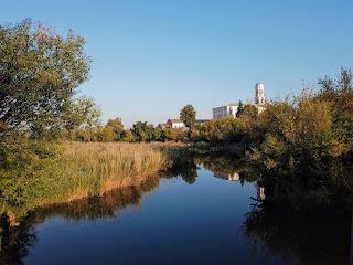 Браїлів. Річка Рів. Костел Св. Трійці