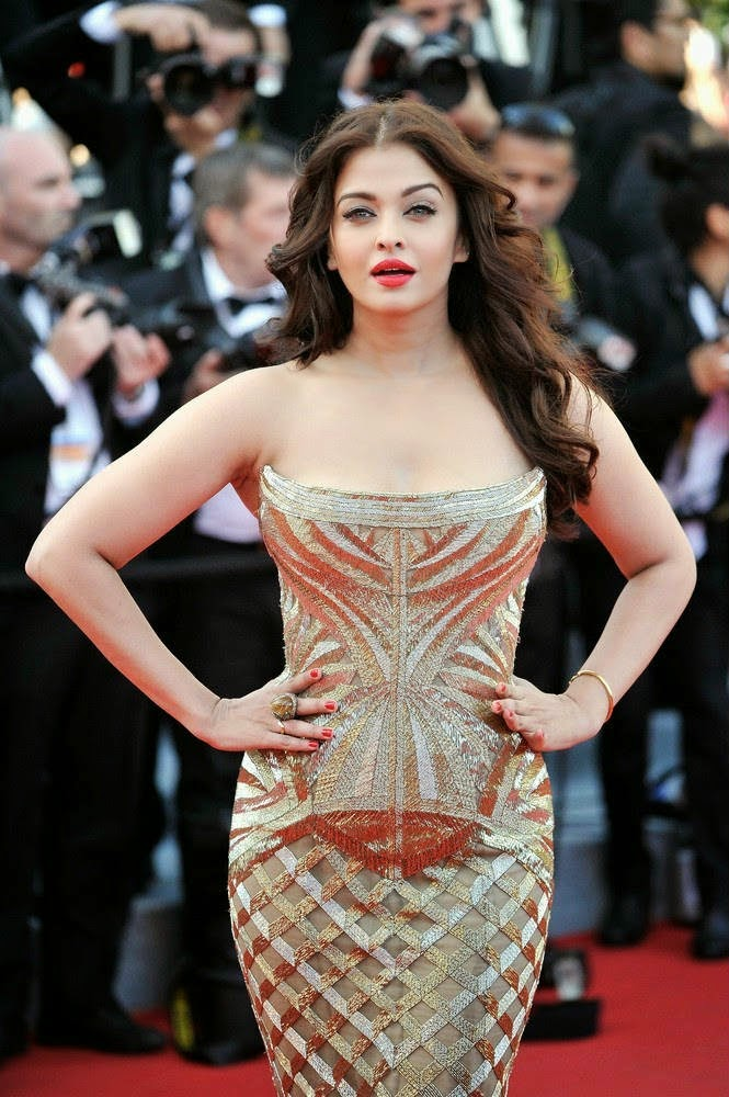 aishwarya rai bachchan at cannes 2014 red carpet
