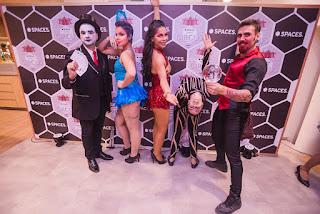 Atrações Mágico, Dançarinas led, Contorcionista e Malabarista Contato de Humor e Circo Produtora no evento Spaces Circus no Rio de Janeiro.