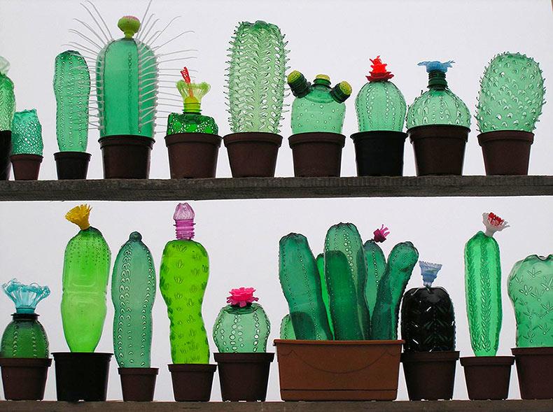 Esculturas de plantas a partir de botellas plásticas PET recicladas de Veronika Richterová