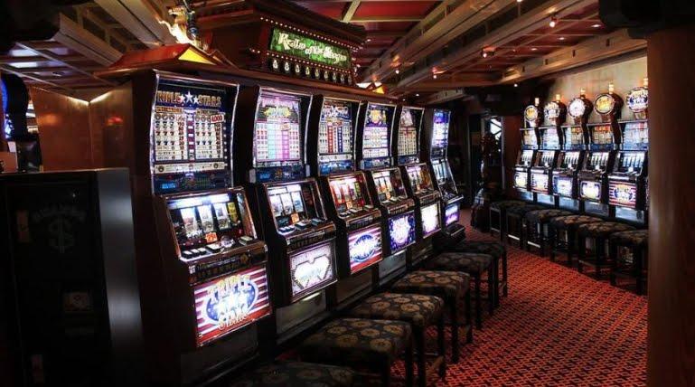 Come capire se una slot machine sta per pagare? La verità su questo mito.
