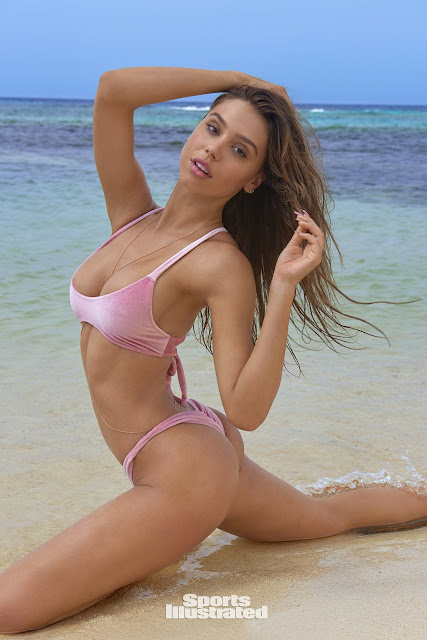 Alexis Ren – Sports Illustrated Swimsuit 2018 – Rookie of the Year Ballot