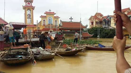 Toàn cảnh lũ lụt tại Ninh Bình và hoạt động cứu trợ tại Thanh Hoá - Ảnh minh hoạ 5