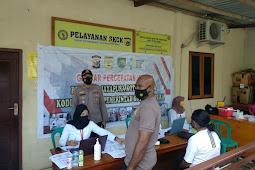 50 Orang Divaksinasi dalam Gerai Vaksin Presisi yang Digelar Polsek Abepura