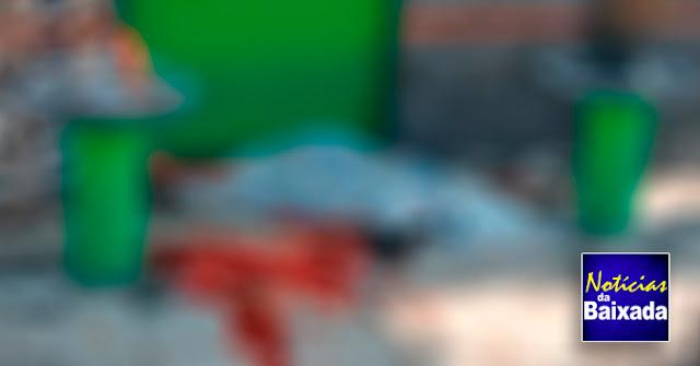 Homem é executado em bar na Baixada Fluminense