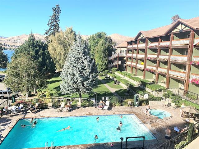 Lake Chelan, Lakeside Inn and Suites Chelan, Lake Chelan Travel Guide, Seattle Travel Blogger
