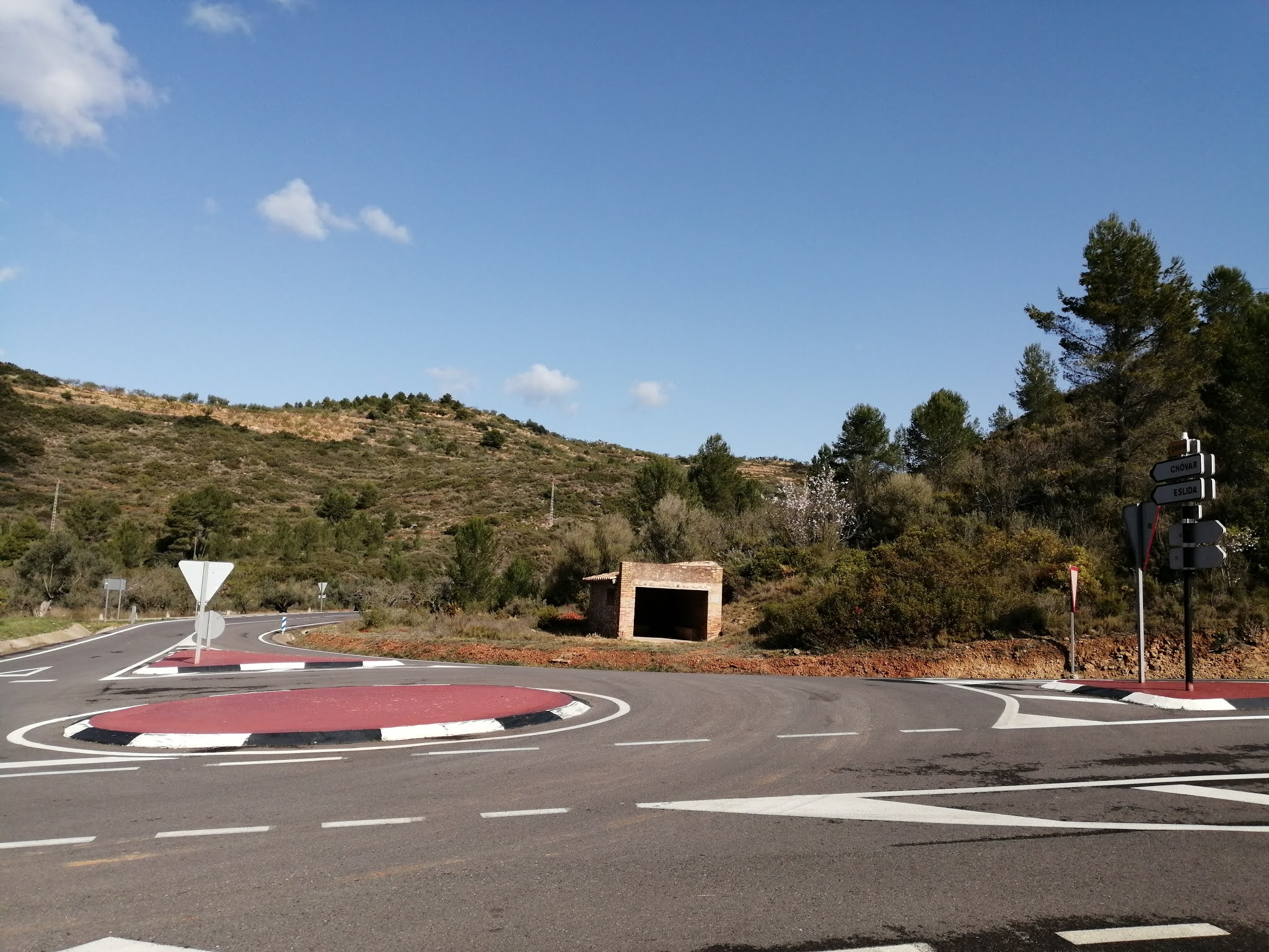 Junction of the CV-230 Vall d'Uxo-Soneja and CV-219 roads in Castellón
