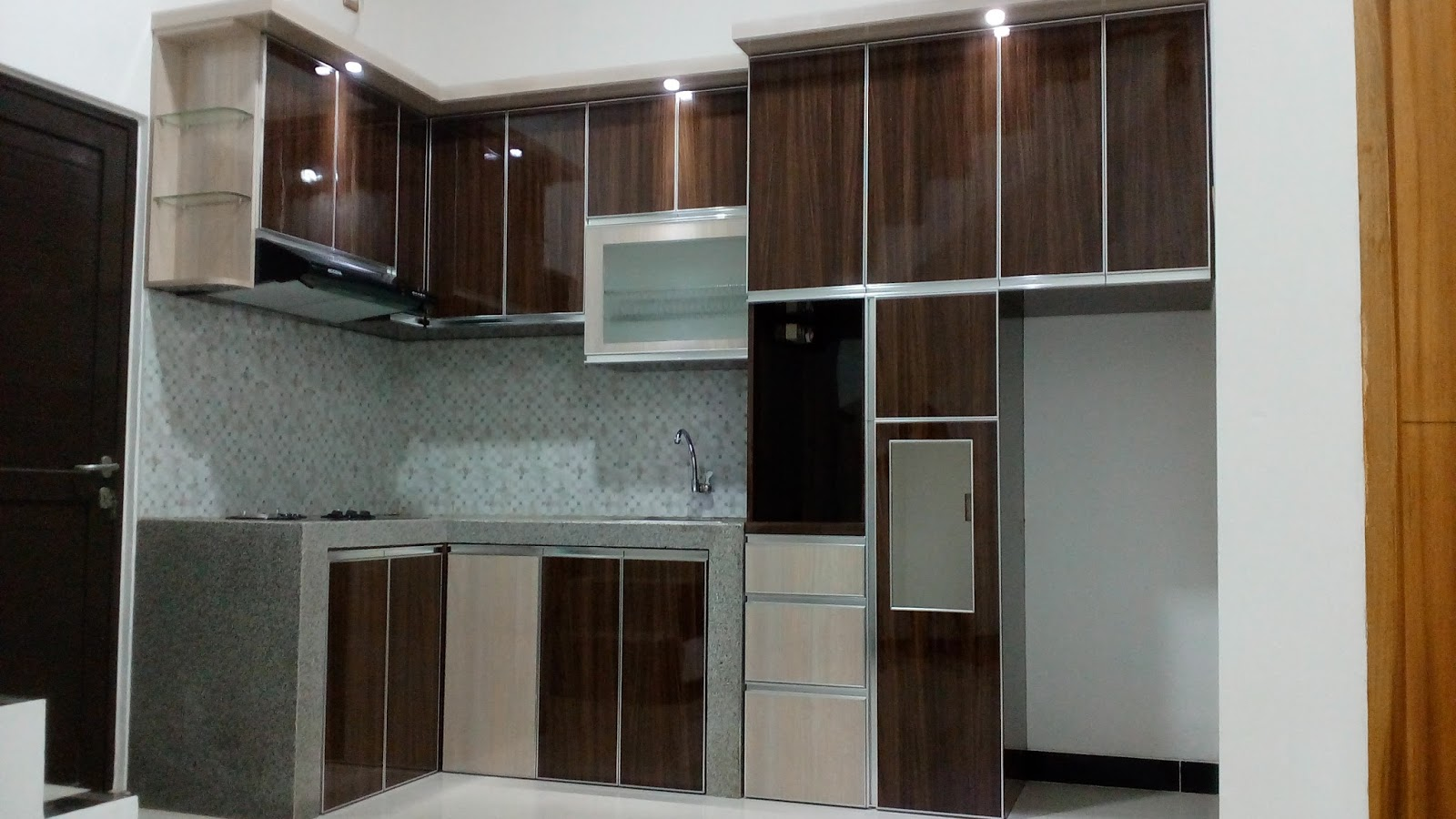Contoh kitcheset for Pemasangan kitchen set