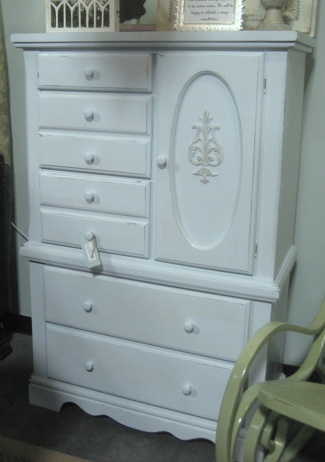 Urban Farmhouse: DIY: Painted Thrift Store Chest of Drawers