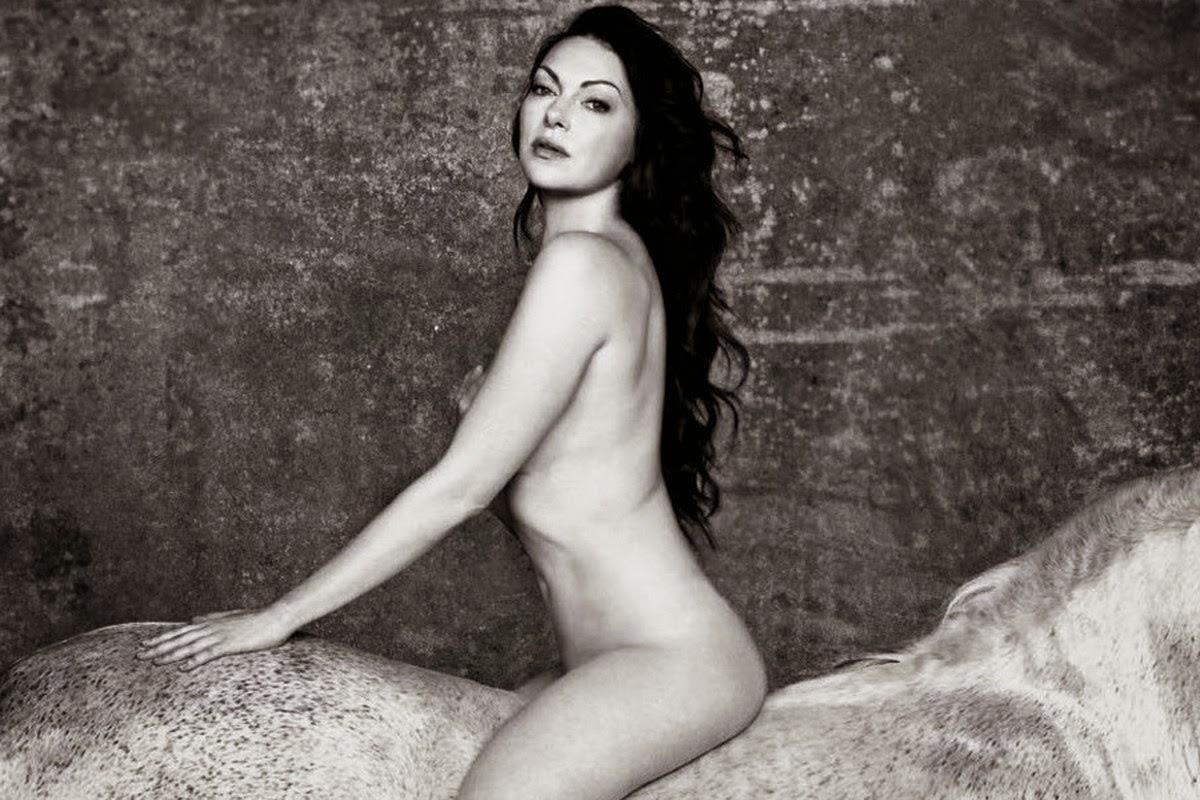 Naked Laura Prepon In Karla Ancensored