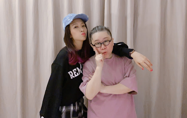 toto(右)為求袁詠琳(左)在選秀節目順利晉級吃素1個月,讓袁詠琳大呼感動