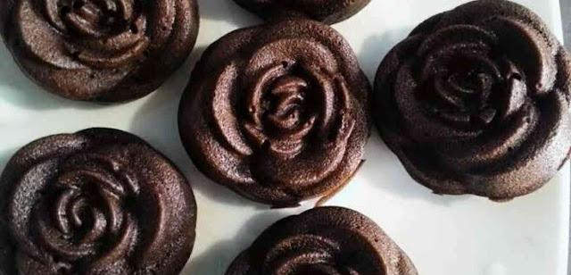 Cara membuat brownies kukus mekar mawar