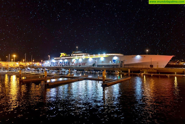 El Cabildo mejora la movilidad y conectividad de quienes viajan en barco desde la isla