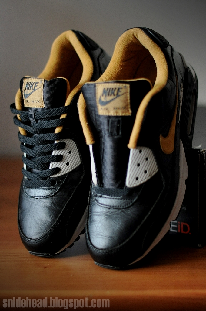 2003 nike air max 90 leather creased leather black  maple