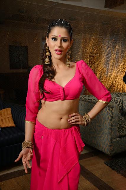 Khushboo Purohit navel show