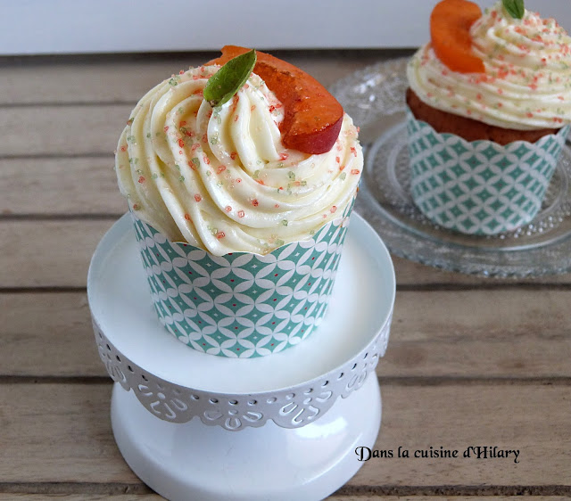 Cupcakes au coeur d'abricot et glaçage au basilic