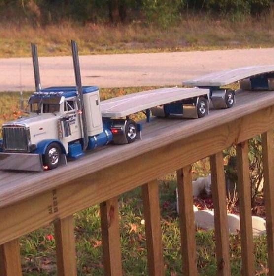 gambar miniatur truk keren